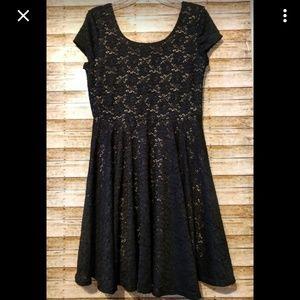 Philosophy Black/Nude Lace Midi Dress